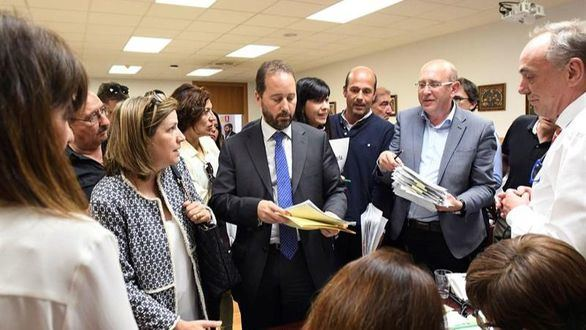 El nuevo recuento allana el camino al PSOE para gobernar en el ayuntamiento