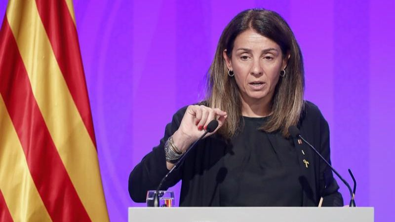 La portavoz del Govern se niega a responder en castellano a los medios