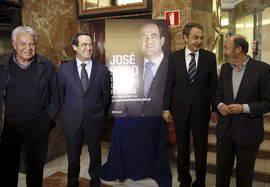 González, Zpatero y Rubalcaba, junto a Bono. Efe