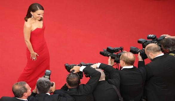 Natalie Portman y Lupita Nyong'o ponen el toque de color en Cannes