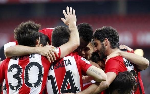 Los goles de Aduriz certifican la quinta plaza del Athletic ante el Sevilla | 3-1