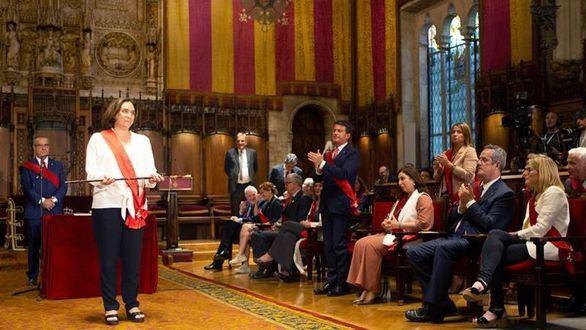 Colau insulta a Valls tras recibir sus votos para ser alcaldesa