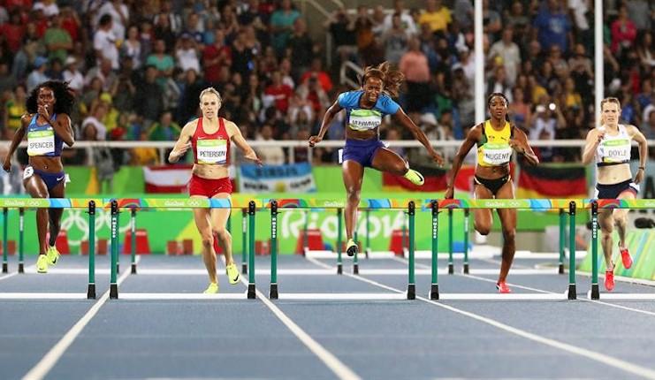 Muhamma, oro en 400 vallas, da a Estados Unidos la centésima medalla en Río