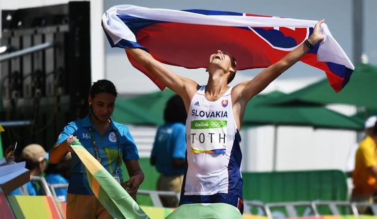 El campeón mundial Toth bate al campeón olímpico Tallent en 50 km marcha