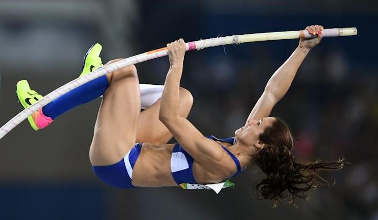 La griega Stefanidi gana el oro en salto con pértiga