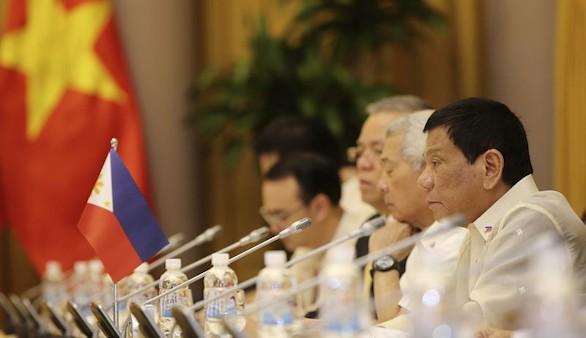 Duterte se compara con Hitler y dice querer matar a 3.000 drogadictos