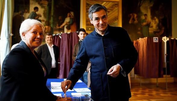 François Fillon arrolla en las primarias de la derecha francesa