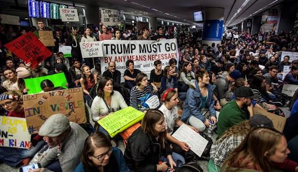 Trump vs. la Justicia y los manifestantes por su política migratoria