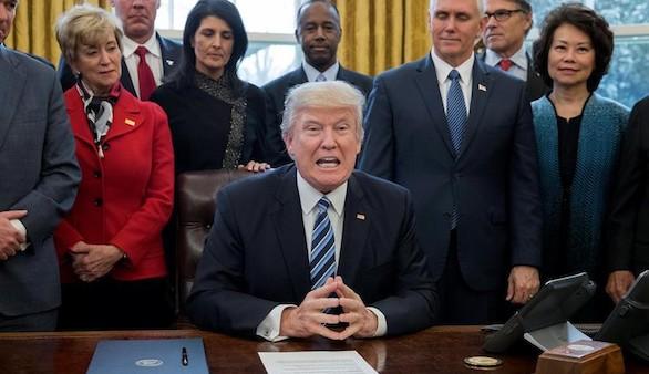 El plan de Trump dejaría sin sanidad a 24 millones de personas