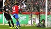 Una explosión del Sporting arrasa al Granada en el duelo de urgencias | 3-1