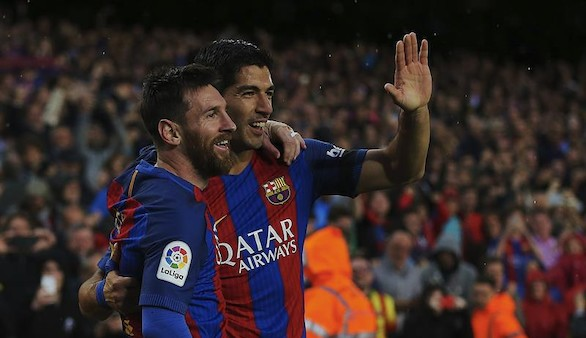 La sinfonía del mejor Barcelona somete al Sevilla y amenaza al Madrid | 3-0