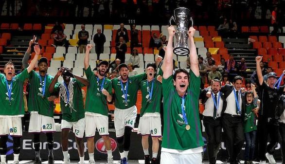 Eurocup. El Unicaja sorprende al Valencia Basket y es campeón | 58-63