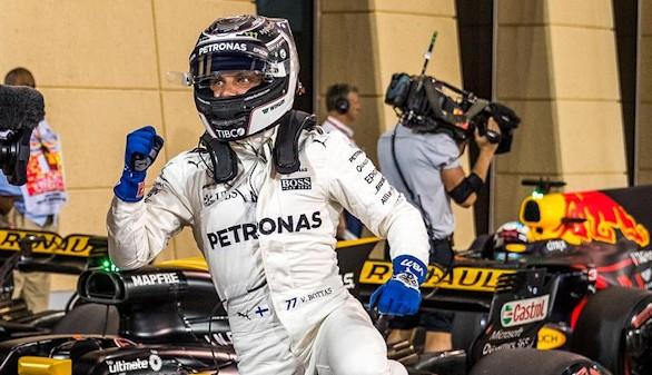 GP de Barein. Bottas sorprende a Hamilton y Alonso rompe el motor