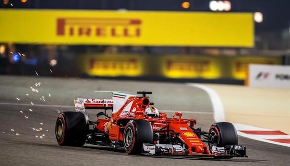 GP de Barein. Vettel y Ferrari ganan y aguan la fiesta de Hamilton