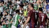 El Betis baja de la nube al Eibar para su tranquilidad   2-0