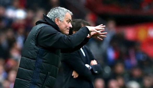 Ligas europeas. Mourinho hiere al Chelsea, la Juventus teme por Dybala y los ultras ensucian Francia