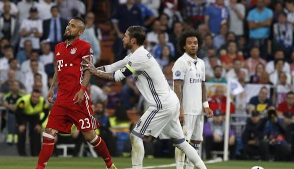 La Policía aborta la rabia del Bayern contra el árbitro