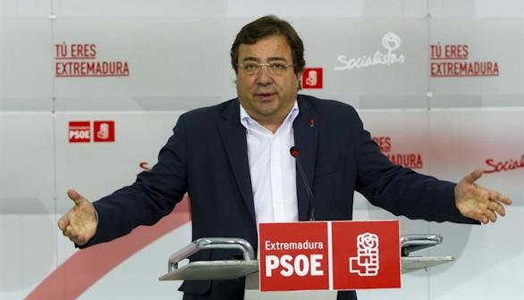 Fernández Vara matiza y ofrece toda su ayuda a Sánchez