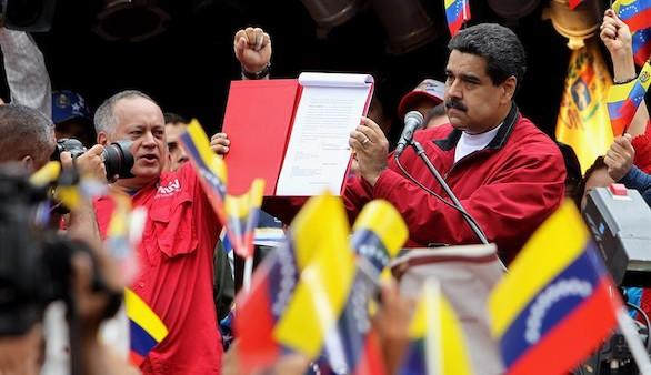 La oposición se rebela contra las elecciones a la medida de Maduro