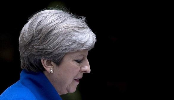 El lío de May: elige a un número dos proeuropeo para no ser fagocitada