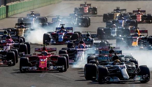 GP Azerbaiyán. Ricciardo reina en el caos de Baku, con Alonso noveno