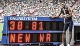 Van Niekerk destrona a Bolt y Michael Johnson en el récord de los 300 metros