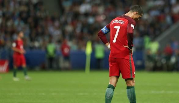Ni los palos ni un penalti no pitado impiden que Chile elimine a Ronaldo | 0-0