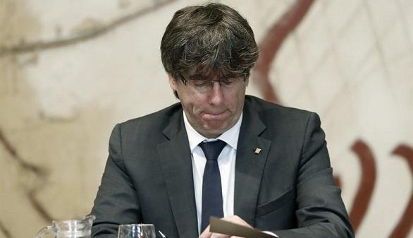 Puigdemont prepara una purga de consejeros para diseñar un Gobierno comprometido con el referéndum