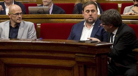 El independentismo catalán cierra filas ante la purga