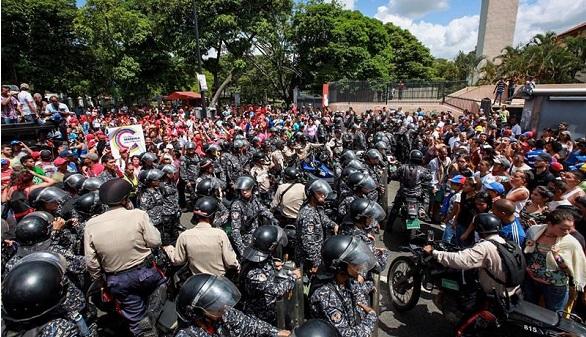Paramilitares, presuntos chavistas, matan a un votante en Caracas