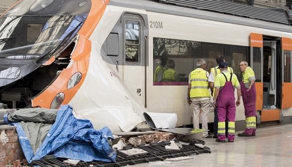 El maquinista del tren accidentado en Barcelona da negativo en alcohol y drogas