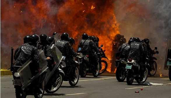 Maduro consuma su golpe en medio de una ola de violencia