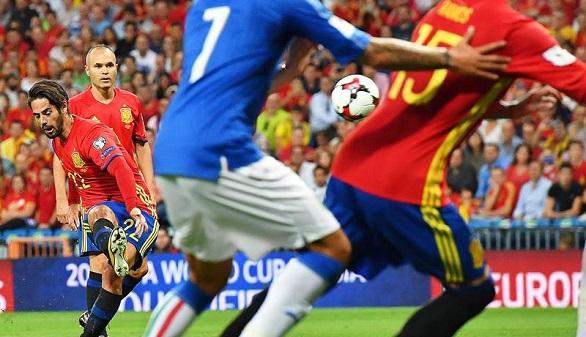 Isco tumba a Italia y España, a las puertas de Rusia | 3-0