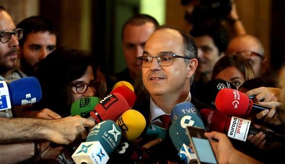 El Govern divide a los catalanes: los que vetan el 1-O y los que lo nutren