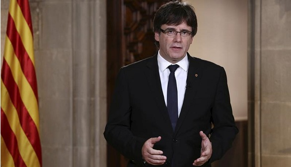 Puigdemont critica al Rey pero pide mediación a Mariano Rajoy