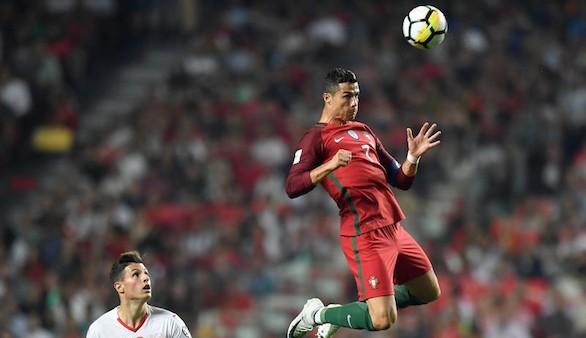 La astucia de Portugal sangra a Suiza y Ronaldo estará en Rusia 2018 | 2-0