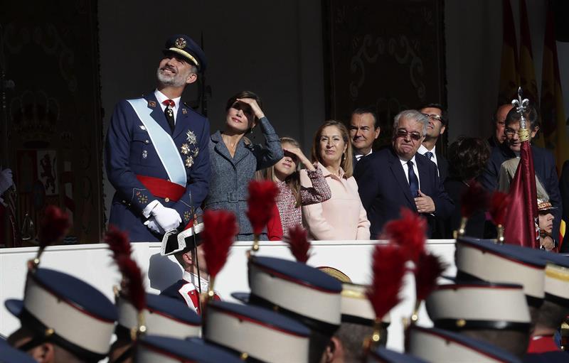 Ovación al Rey, Guardia Civil y Policía en la Fiesta Nacional