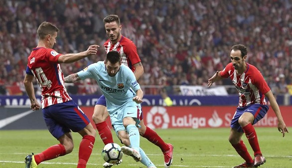 El Atlético frena al Barcelona con agonía física | 1-1