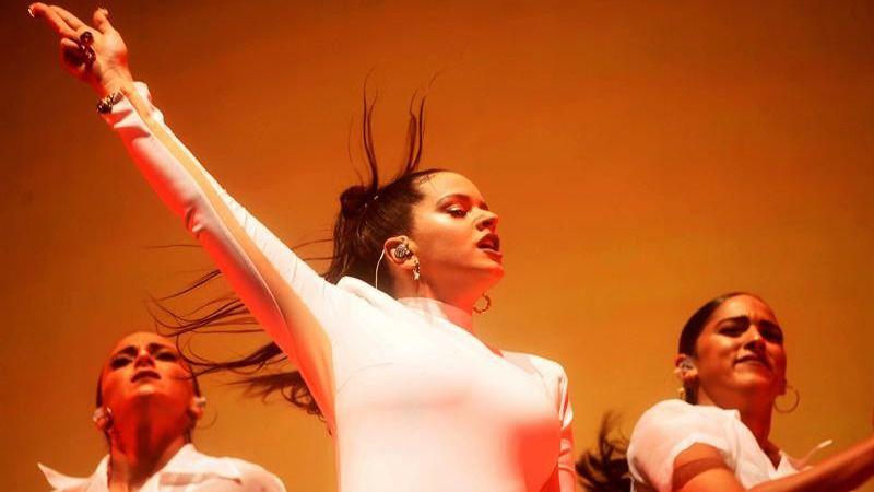 Rosalía arrasa con su show en la Noche Blanca del Flamenco de Córdoba