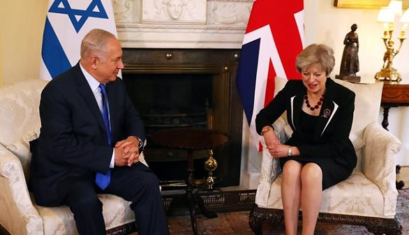 Dos dimisiones en una semana tambalean al Gobierno del 'brexit'