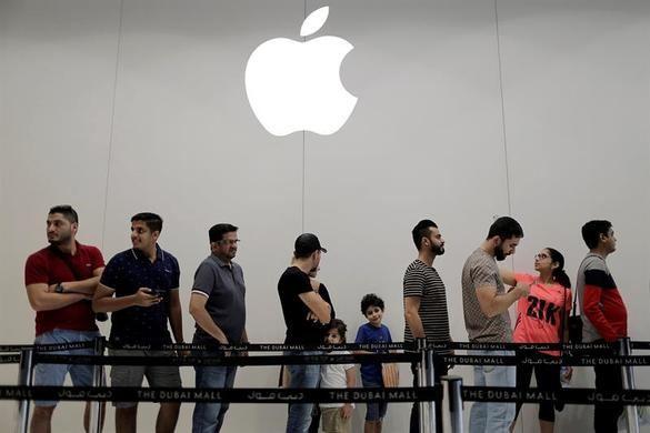 Colas gigantescas en medio mundo para comprar el nuevo iPhone X
