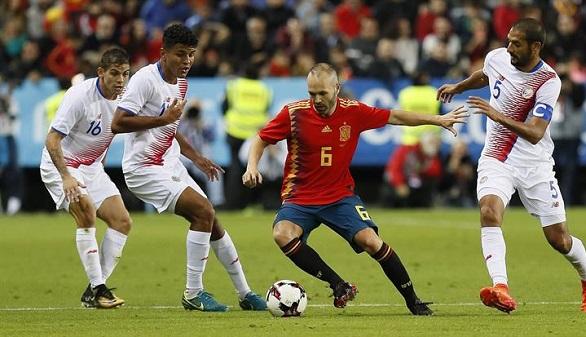 España estrena camiseta y se gusta en el festival de calidad ante Costa Rica | 5-0