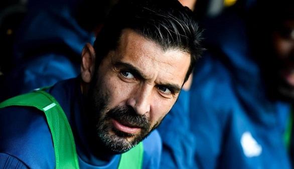 Ligas europeas. Casillas la lía en su regreso y City, Nápoles, PSG y Bayern se escapan
