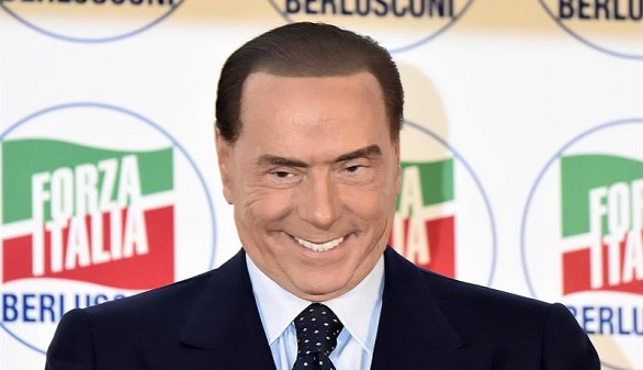 Italia promete dureza contra la mafia y Berlusconi vuelve a la política