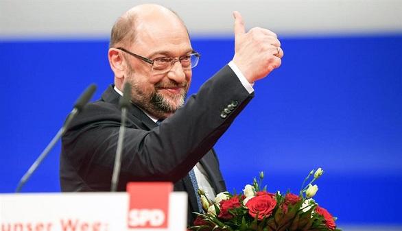 El SPD empuja a Schulz a negociar con Merkel