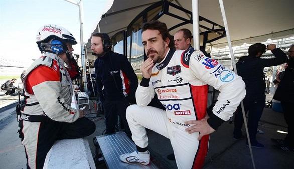 McLaren le promete a Alonso ser el equipo que más cambie en 2018