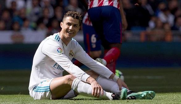 El derbi hiere al Real Madrid y Messi roza el título