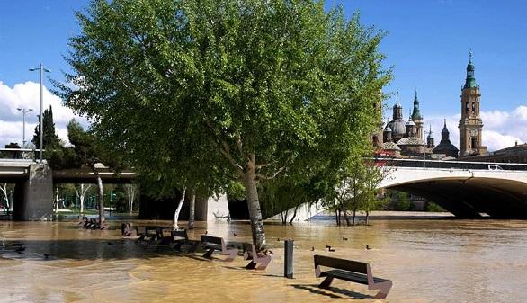El avance extraordinario del Ebro tiene desveladas a Navarra y Aragón