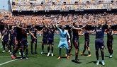 Guedes y Zaza bajan el telón de Mestalla en el trámite ante el Deportivo | 2-1