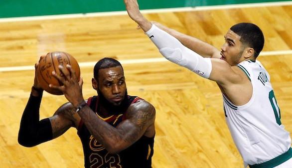NBA. Los Celtics abofetean a los Cavaliers de LeBron James
